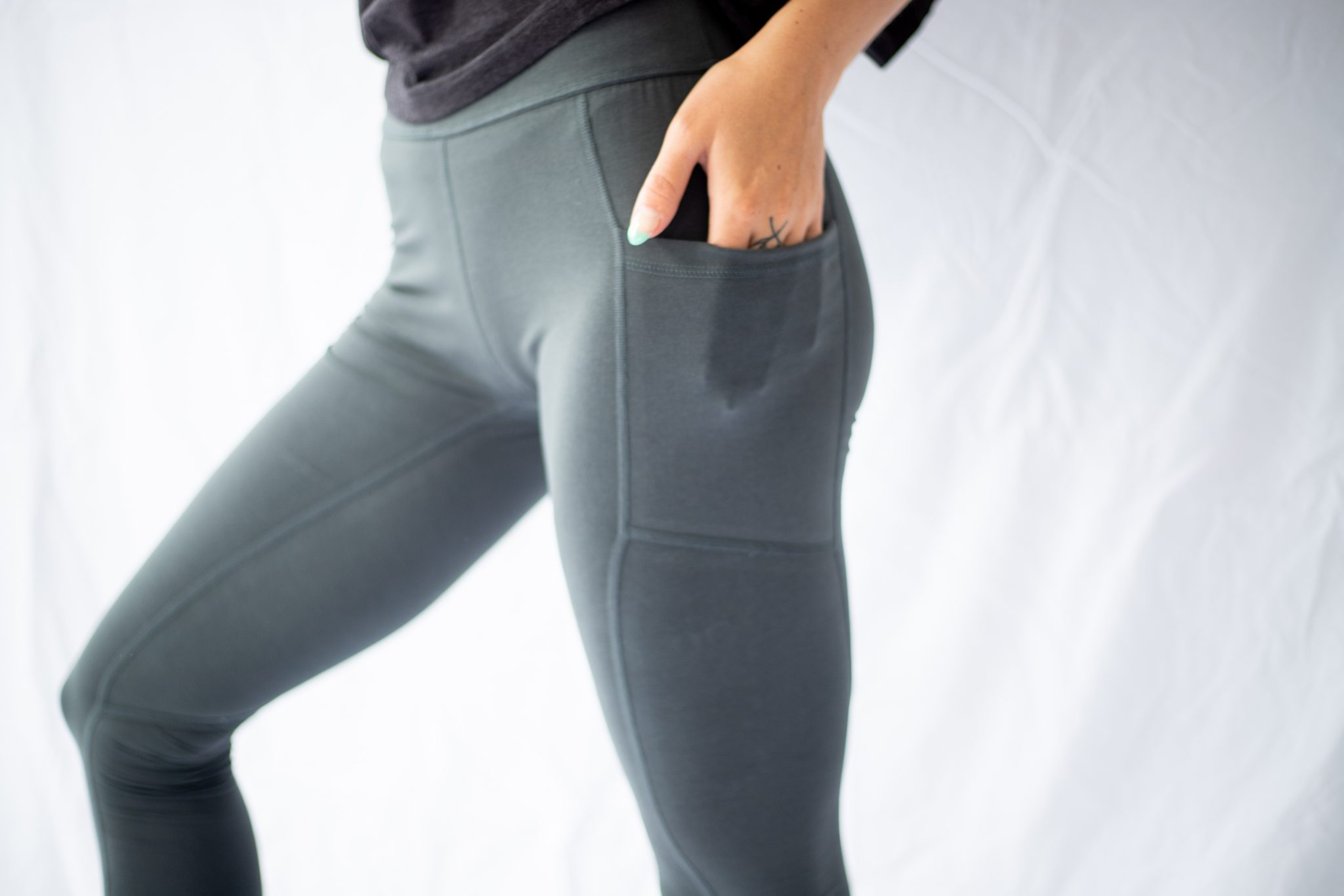 high waist leggings with pockets side shot